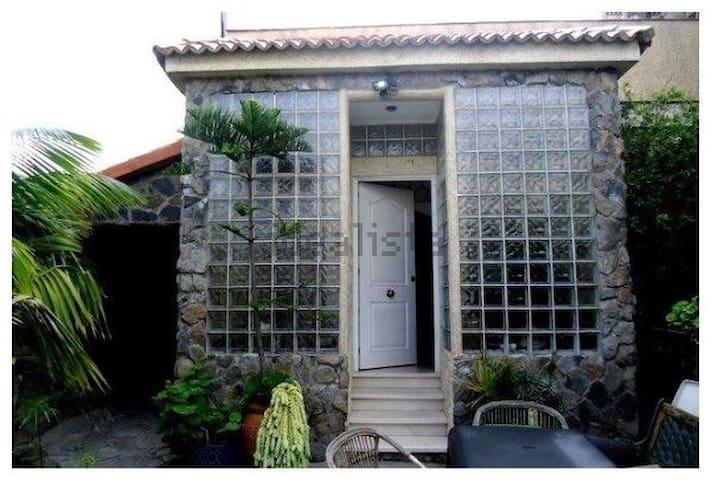 En casa chalet -Habitacion vista jardin - Tafira Baja