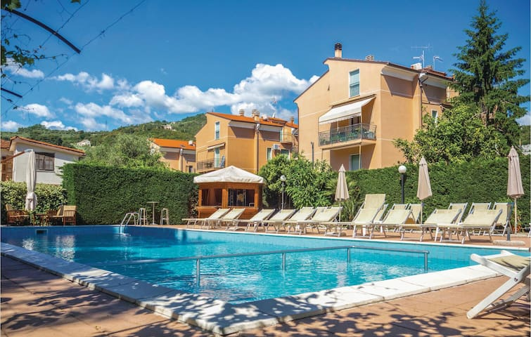 Holiday apartment with 1 bedroom on 50m² in Pietra Ligure -SV-
