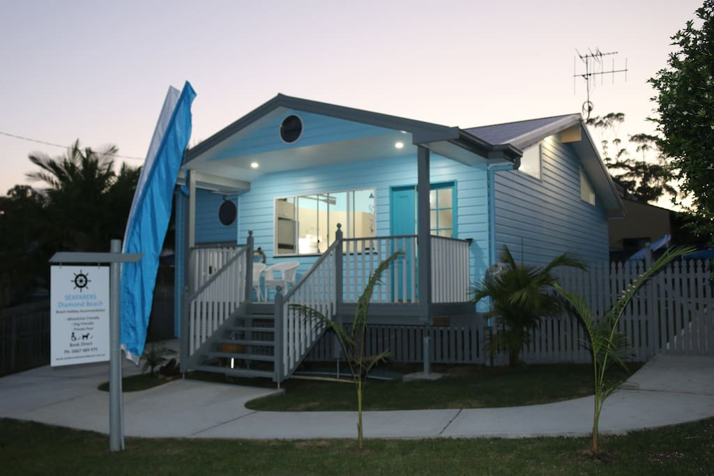Seafarers Diamond Beach - Wheelchair friendly, dog friendly, by the beach with a pool.
