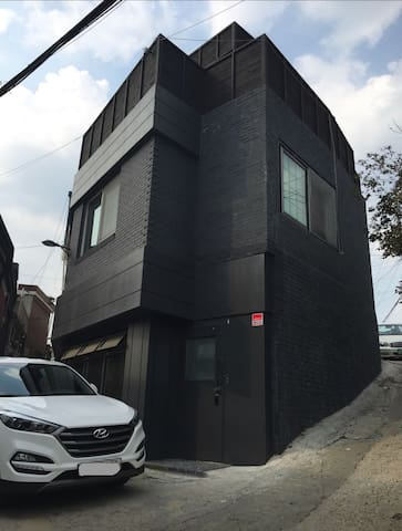 Dongdaemun 3storey whole villa for 4-10people