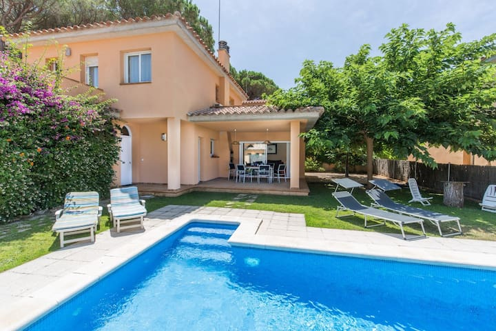 House with private pool - 400 m Pals Beach (GRS 4H 119)