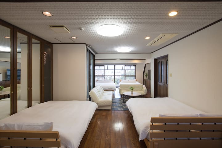 C-701 The spacious&top-floor room is for you!
