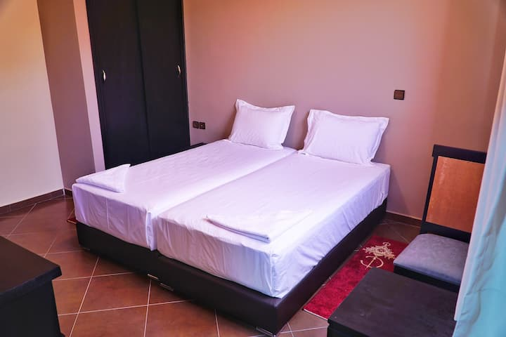 DoubleBed Room with Br.+Bathroom+TV