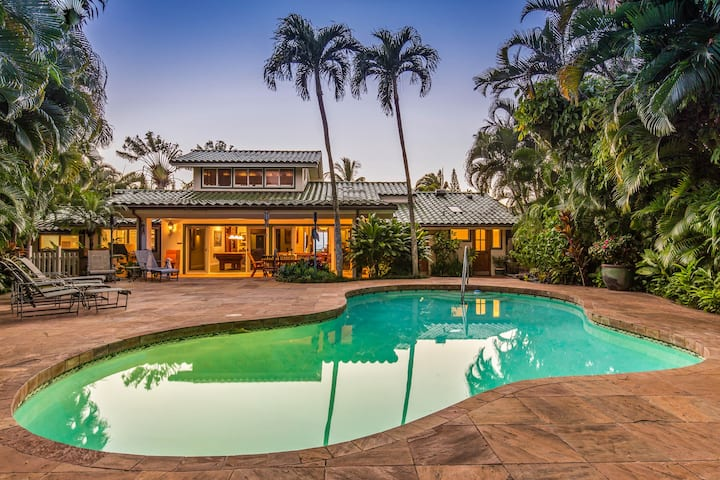 Stunning Gated Home, Private Pool and Spa