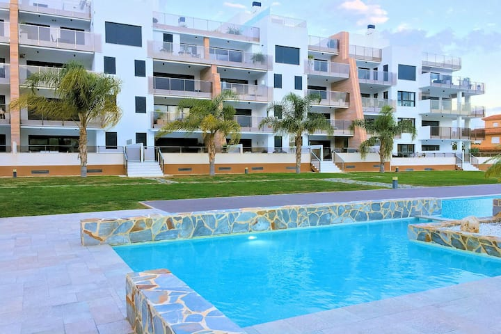Exclusive apartment in Cabo Roig, walking to beach