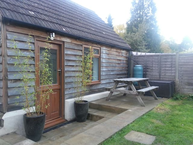 2 bed cabin with shower room