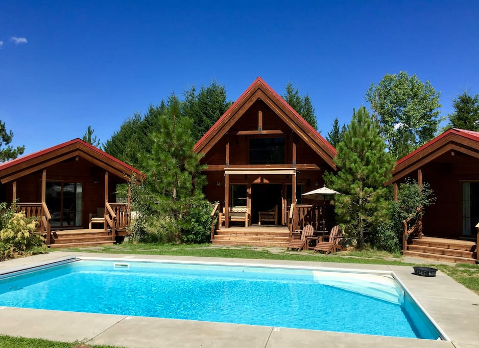 Icicle Camp Glamping Cabins Hot Tub Pool Cottages For Rent In Leavenworth Washington