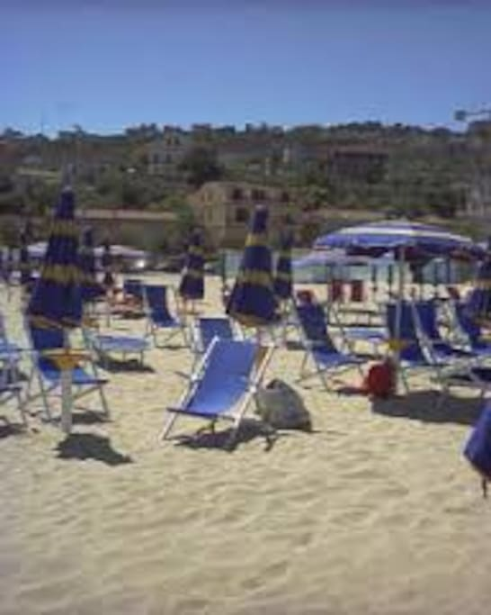 Location. Dalla spiaggia, si vede la villa - e vice-versa!