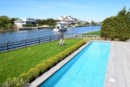 Breathtaking water view-Luxury Hamptons BeachHouse