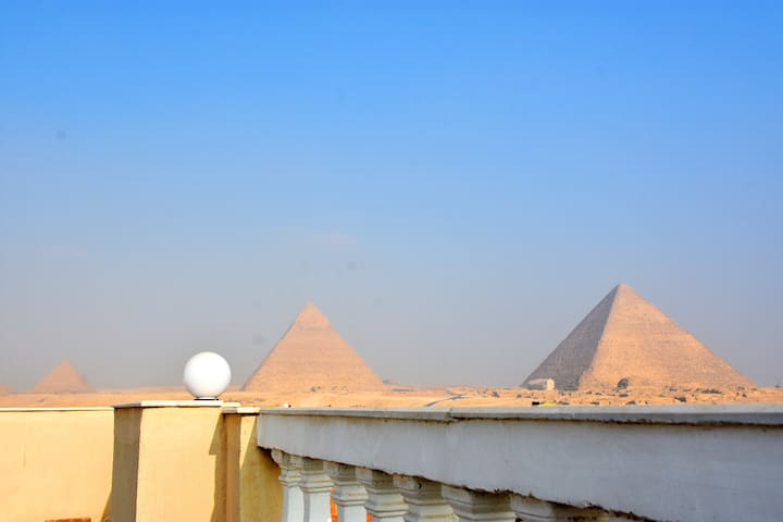Private room with Pyramids view