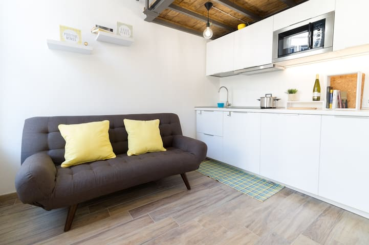 ☆Mini-Loft☆ Very Central, WiFi, AC, Parking☀