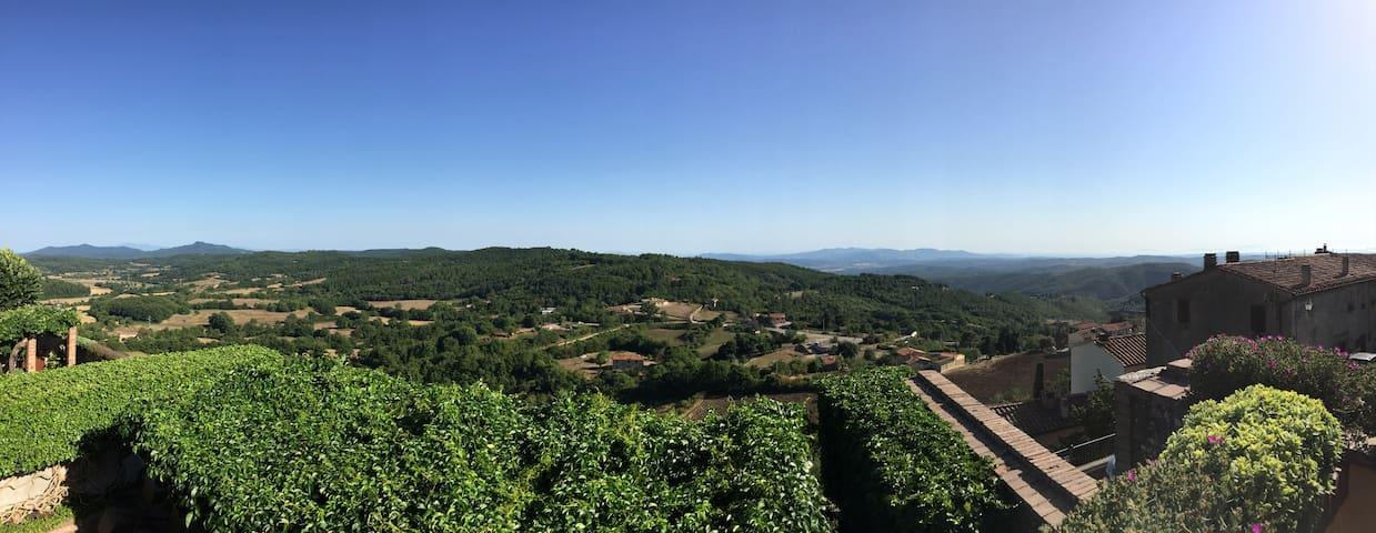 Casa di villaggio con veduta panoramica
