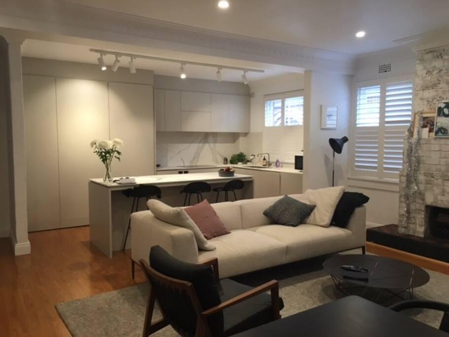 appartement sur le parcours de golf 2 minutes du port appartements louer rose bay. Black Bedroom Furniture Sets. Home Design Ideas