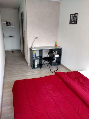 Chambre meublée pour étudiant ou stagiaire