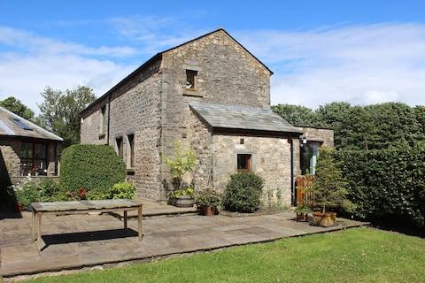 Lowfield Barn