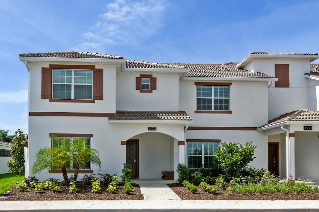 This town home is located on the fabulousChampionsGate resort - located just minutes from the Walt Disney World® resort!