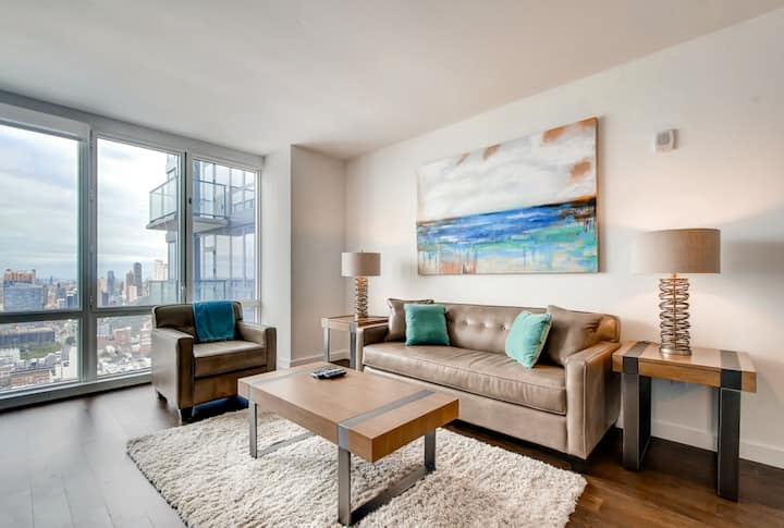 DELUXE 1 br apt w/ modern design- views of NYC