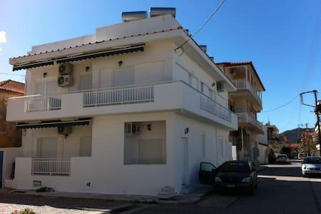 alexandrahouse - Sarti
