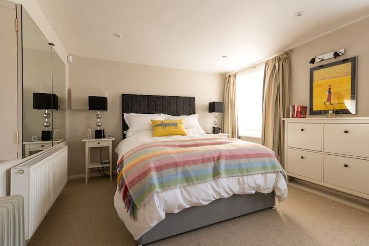 Smart flat in Central Cheltenham - Cheltenham - Huoneisto