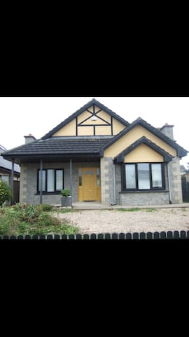 Sea side town - Tramore - House
