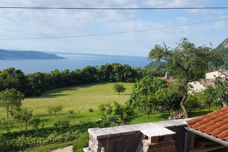 Apartment Maerne, Lake Garda, Gargnano - Gargnano