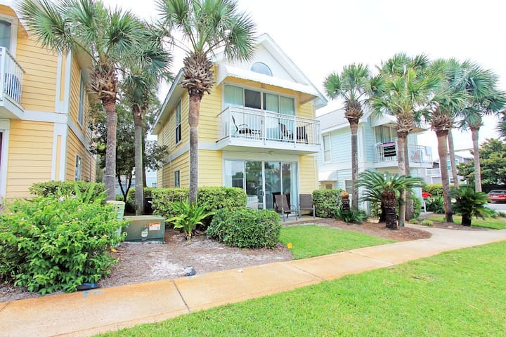 Nantucket Cottages 10B-*Avail 5/6-5/11* RealJoy Fun Pass -100 Yds2Beach -Fab Location - Destin - Lägenhet
