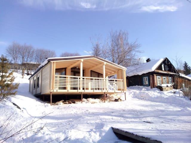 Новый деревянный дом в Перми в арен - Perm - Hus