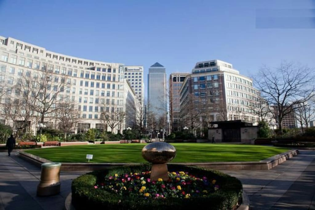 Cosy Double Bedroom In Canary Wharf Apartments For Rent In London England United Kingdom