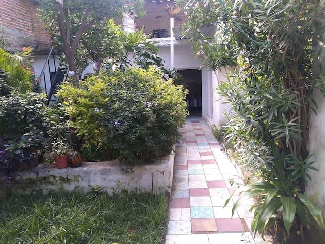 antiguo patio Tlaquepaque
