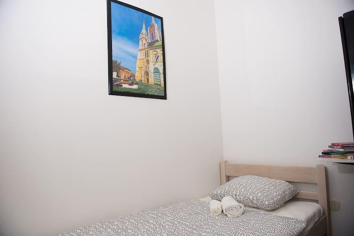 BUNK hostel ZAGREB - Zagreb-Dubrava - Apartemen