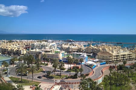 10th floor on seafront line, incredible view - Benalmádena
