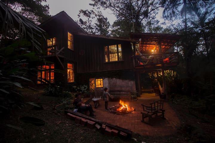 Casa Rio Sagrado