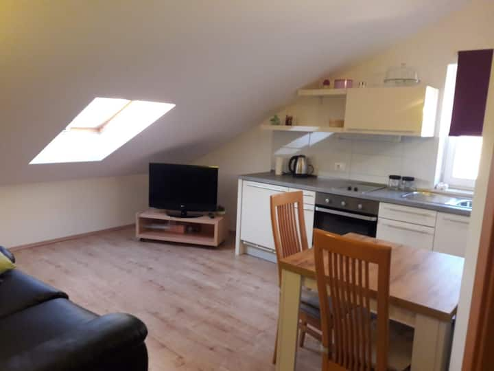 Top Sunset Attic Apartment, 200m from the beach