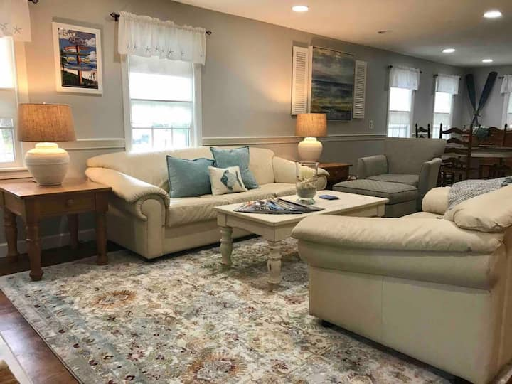 1 BD XL Suite Mayflower Beach & Dennis Village