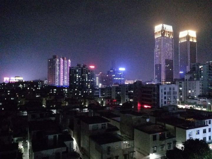 中山市高档小区观景复式民宿