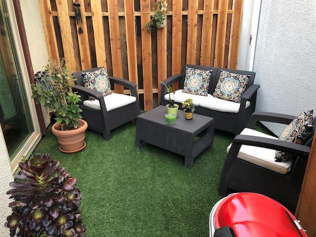 NEW cozy & furnished home near downtown Sacramento