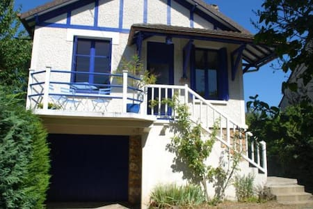 La petite Maison Bleue sur l'Isle - Vaux-sur-Seine - House