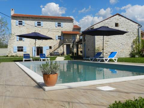 Luxury Istrian stone villa 15 minutes from coast