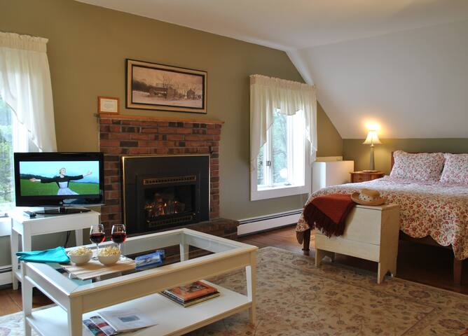 Mt. Mansfield Room - Your Luxurious Retreat