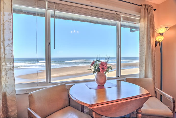 Beauty and the Beach - Oceanfront Condominium