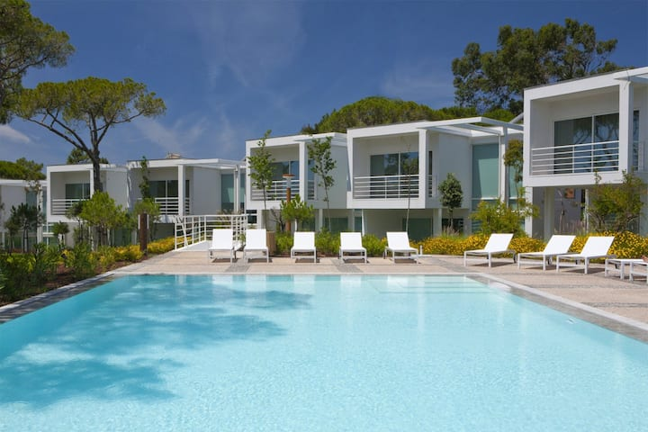 2 Bedroom deluxe villa in Cascais w/ Breakfast