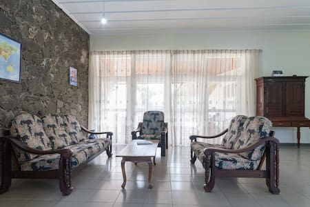 MHF - Lavender Room for foreigners - Wattala - Bed & Breakfast