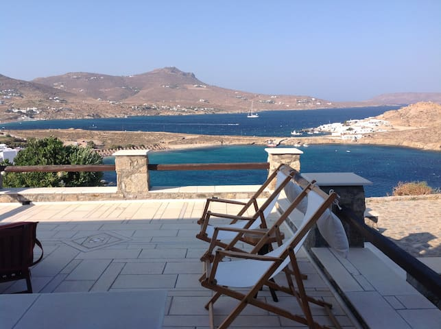 4 Bedroom House with seaview near Kalo Livadi