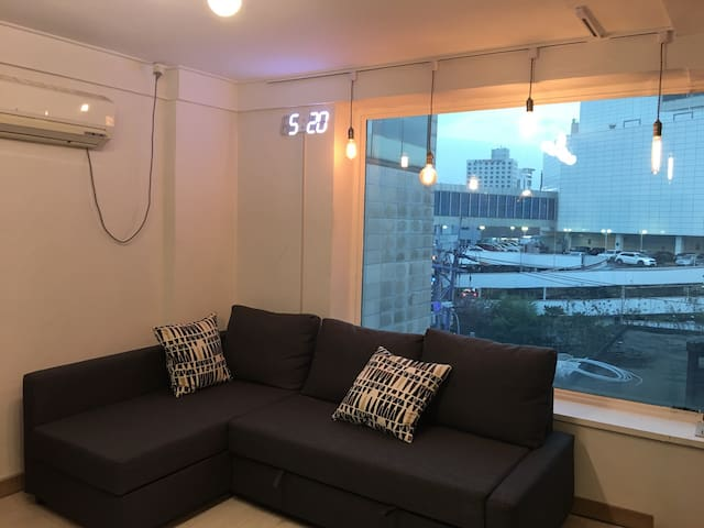 [NEW] Sinchon Stn (1min) + Free Portable Wifi - Seodaemun-gu - Apartment