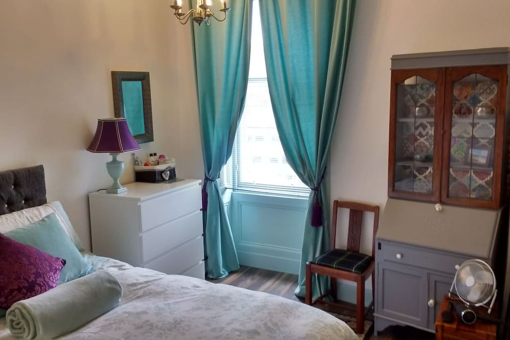 Private Bedroom with King size bed & feather duvet