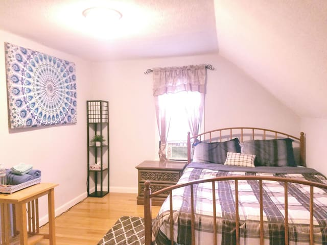 ★Private1BR★Quiet,Parking|StudentsTravelers|Lowell