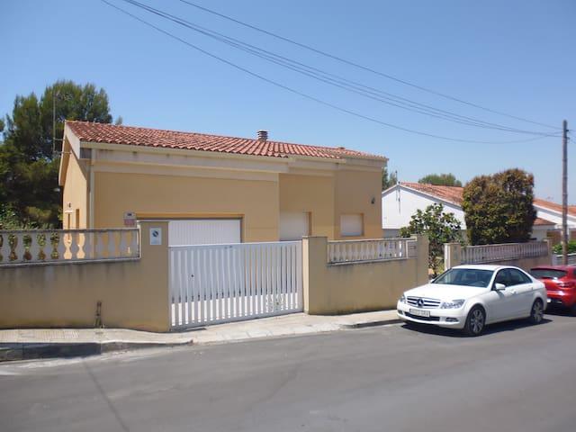 CASA EN LA COSTA DAURADA - Torredembarra - Rumah