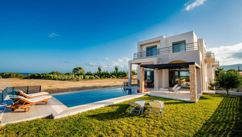 Luxury Greek Blue Wave Villa & Private Beach - Gennadi - Haus