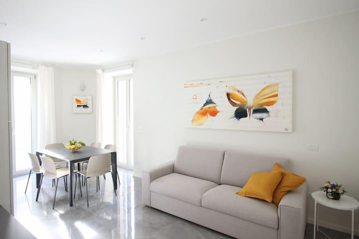 Nuovissimo appartamento a 50 m dal mare - p.auto