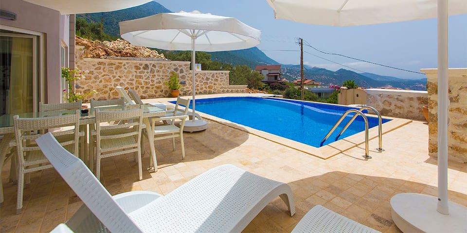 Villa Yagmur / Kalkan (5 Bedrooms)